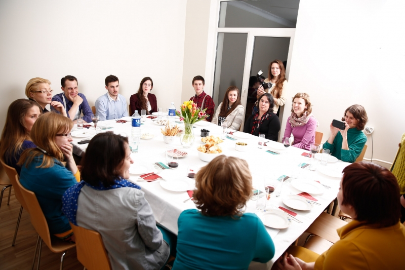 Vakarienė Aistės Ptakauskės namuose